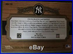 06 Fleer Yogi Berra Bat Barrel Greats Of The Game 1/3 Auto