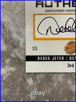 2003 Fleer Authentix Derek Jeter 3rd Row Jersey Patch Auto #188/300 Card