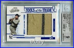 2005 Absolute Memorabilia Tools of the Trade Babe Ruth Jumbo Jersey Patch Button