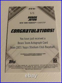 2021 Topps Stadium Club Derek Jeter Orange Beam Team Auto 5/5 BTA-DJ On Card PSA