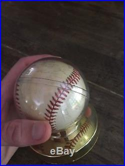 Authentic 1977 Fully Signed World Series Champions New York Yankees Baseball