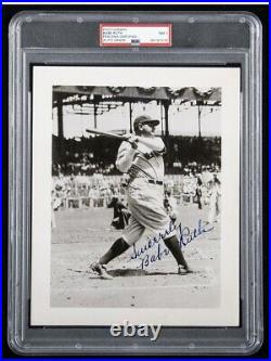 BABE RUTH Signed Photograph Beautiful Photo Bold Autograph PSA JSA Yankees Auto
