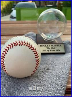 MICKEY MANTLE Signed Baseball PSA/DNA Full Letter includes display case